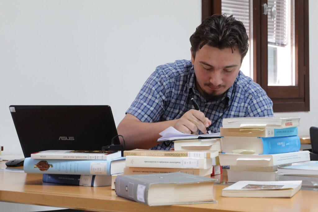 studenti-in-biblioteca-6-1024x682