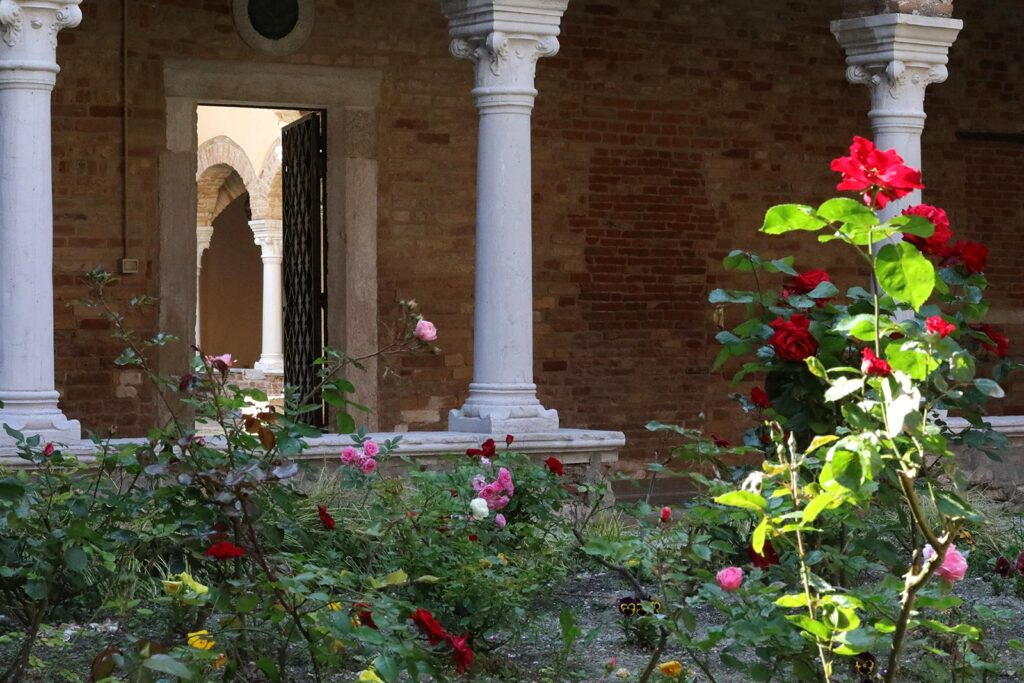 rosa-e-colonne-1024x683